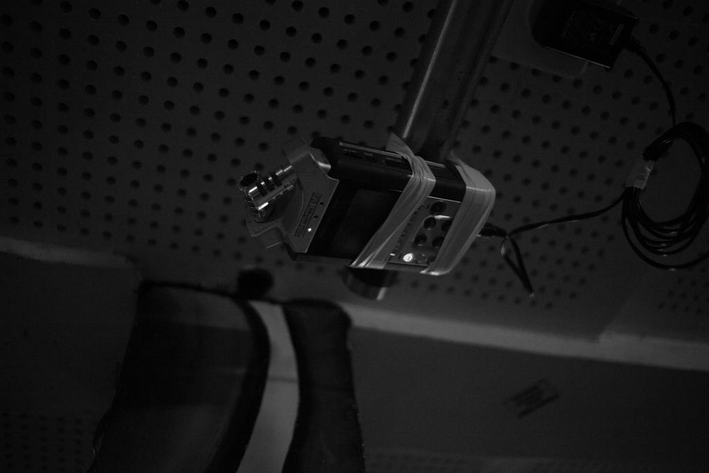 wasted pido recording equiment attaccato al soffitto del Rumpeltum